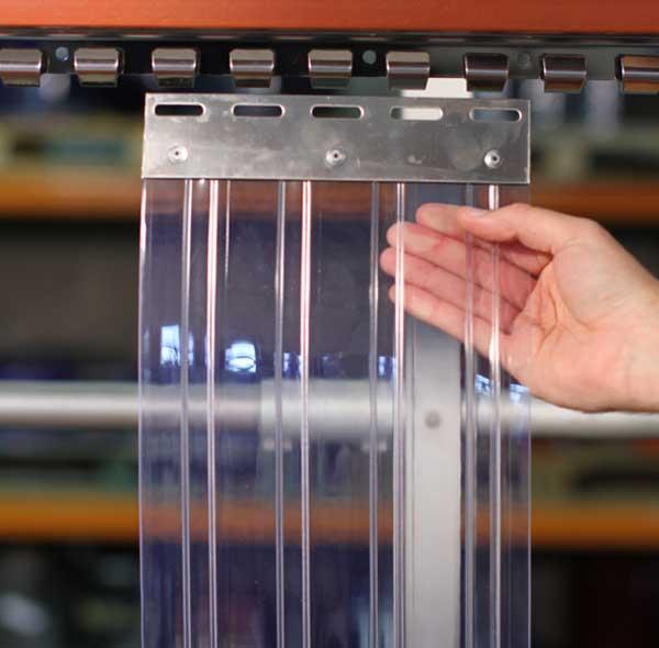 Cách lắp đặt màn nhựa pvc